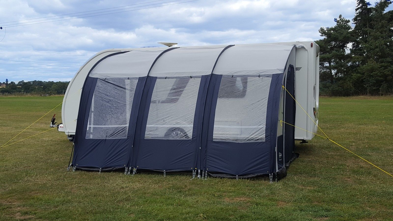 Leisurewize Ontario 390 Lightweight Caravan Porch Awning Blue